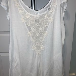 white american eagle tee with lace